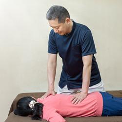 特に症状が重い方の「プレミアムコース」 当院で行う全ての手技を盛り込んだ、特別なコースです。:イメージ